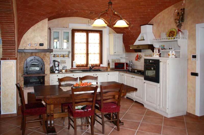 Cucine personalizzate in legno falegnameria santa luce - Okite piano cucina ...