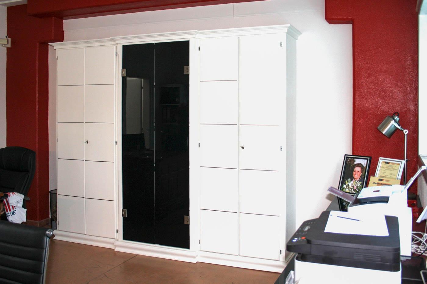 Mobili da ufficio personalizzati falegnameria santa luce for Produzione mobili ufficio